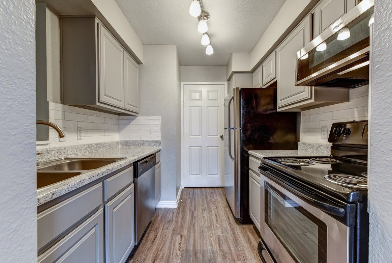Interior kitchen of Eagles Landing apartment
